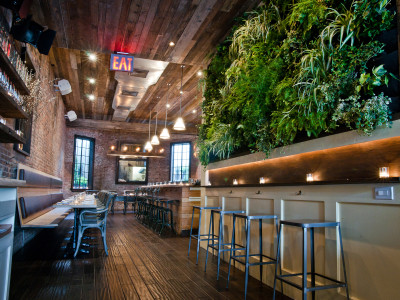 Brooklyn Heights: What's More Summery Than A Raw Bar Happy Hour?